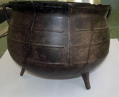 three-legged-iron-pot