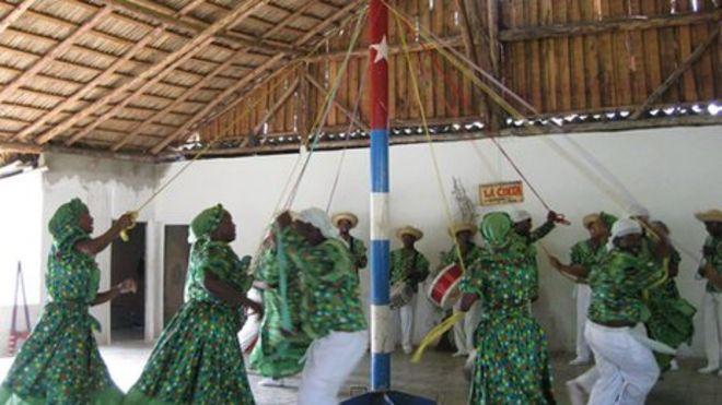 maypole dancing in Cuba