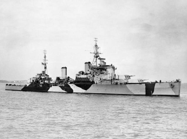 HMS_Jamaica_anchored